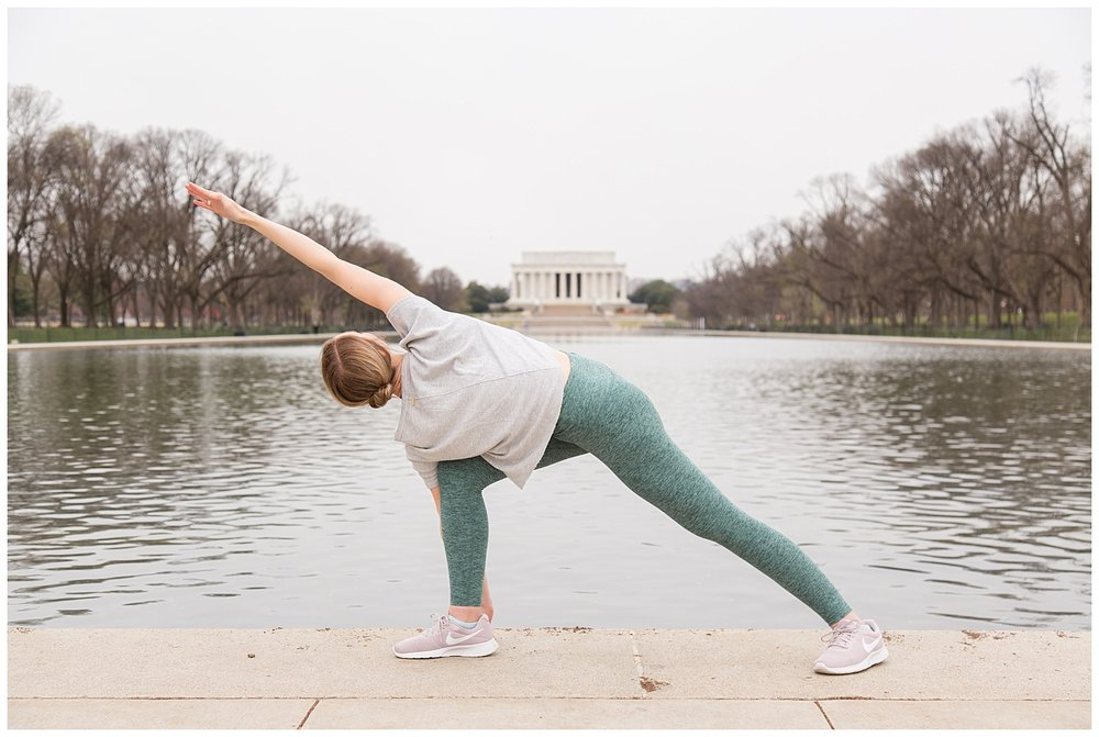 emily-belson-photography-yoga-monuments-jessica-01.jpg