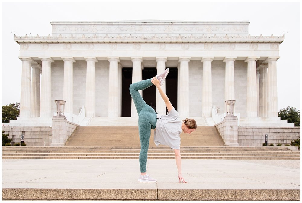 emily-belson-photography-yoga-monuments-jessica-02.jpg