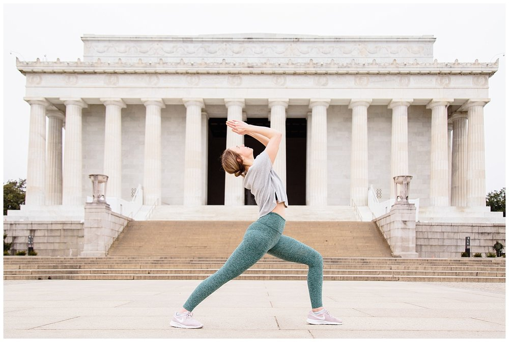 emily-belson-photography-yoga-monuments-jessica-04.jpg