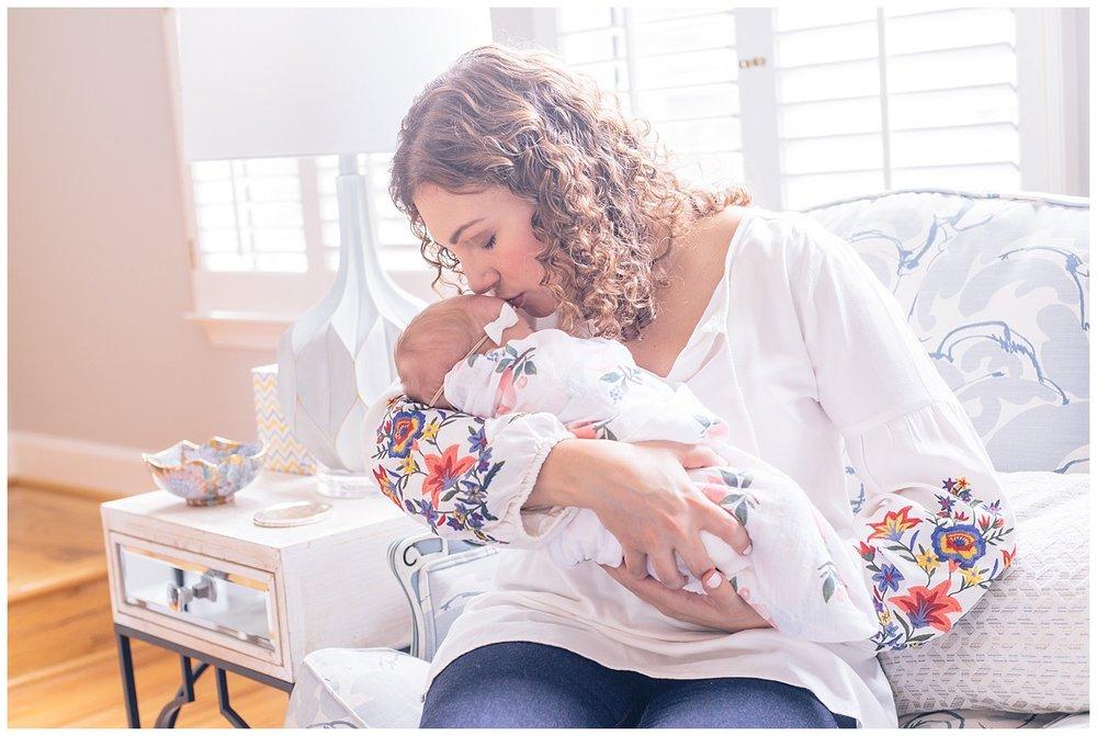 emily-belson-photography-alexandria-newborn-girl-26.jpg