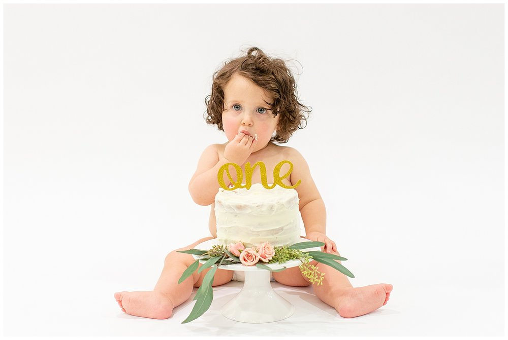 emily-belson-photography-washington-dc-baby-cake-smash-15.jpg