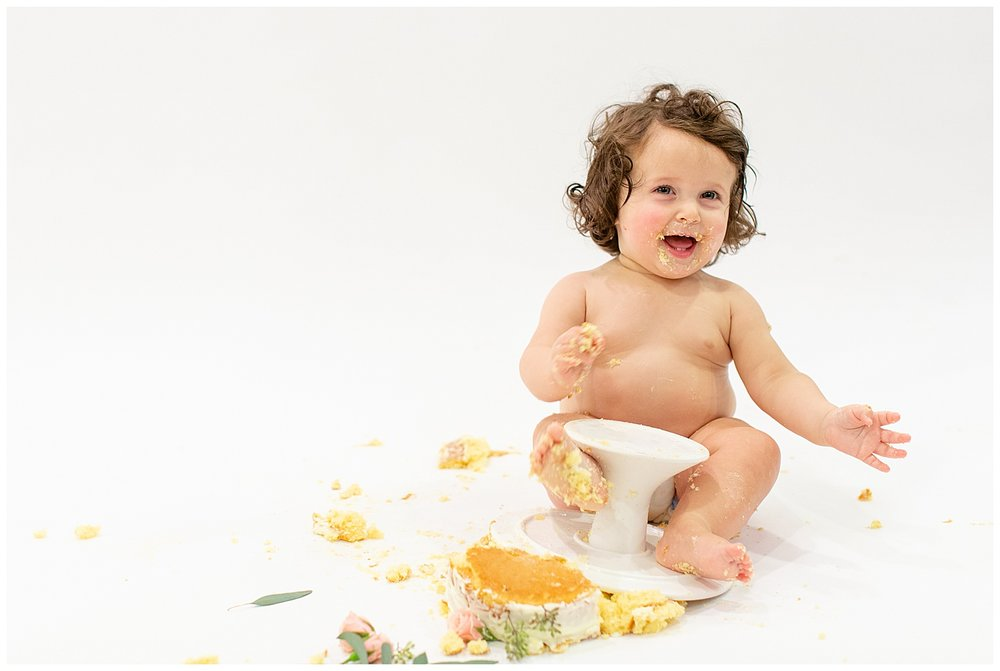 emily-belson-photography-washington-dc-baby-cake-smash-26.jpg