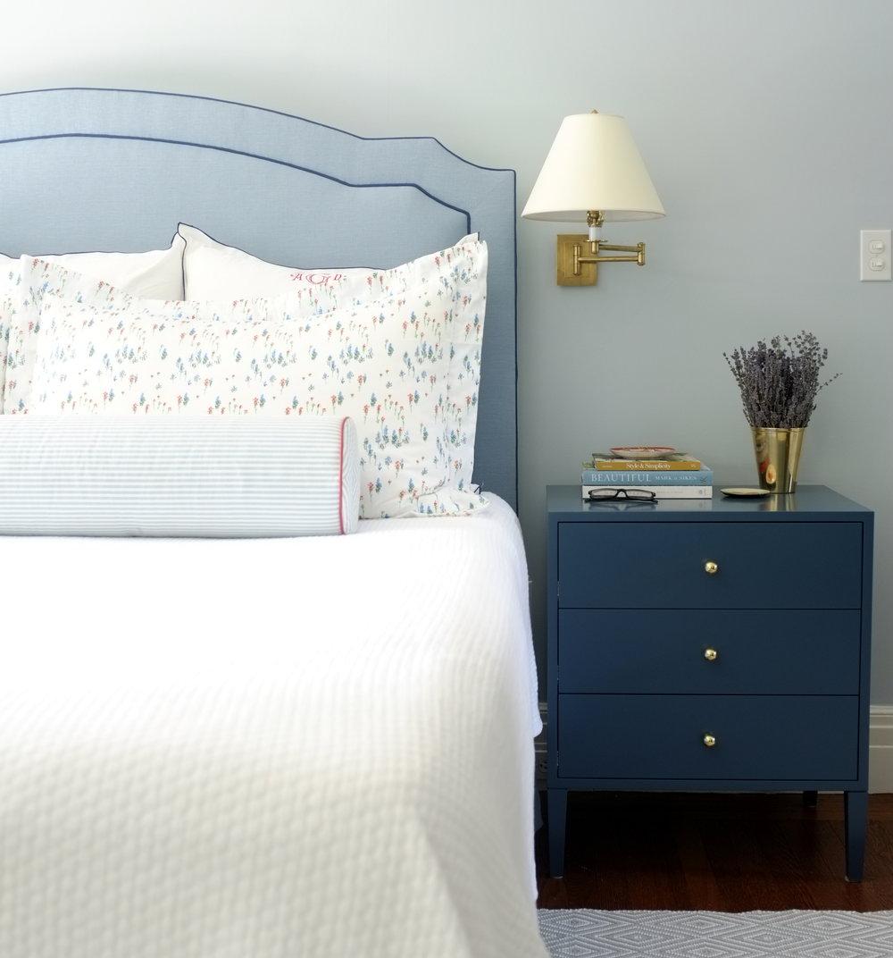 Barrow Bedside Table, Oxford Blue Paint, Medium
