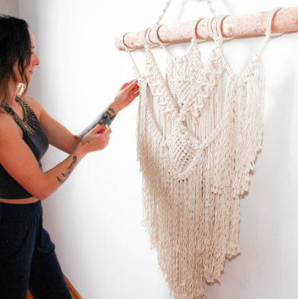Join us for Macramé + Mimosas in Calgary! Class will be taking place on August 26th at Outside the Shape (1222 10 Ave SE, Calgary) from 1-4 PM. All materials will be provided along with beverages and light snacks.  Choose between making a plant hanger or a wall hanging! No experience necessary. Come spend the afternoon learning a fun, new craft and leave with your very own finished project!