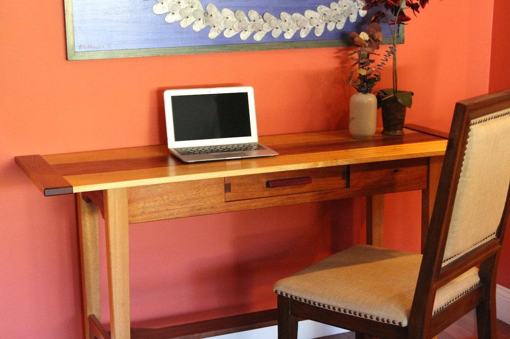 desk-05.JPG