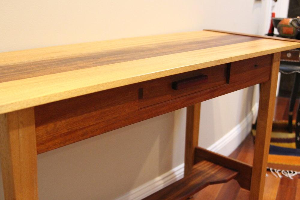 desk-06.JPG