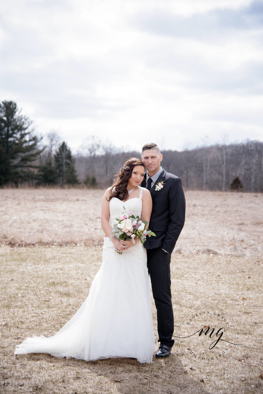 Michigan_wedding_photographer_couples_portrait.jpg
