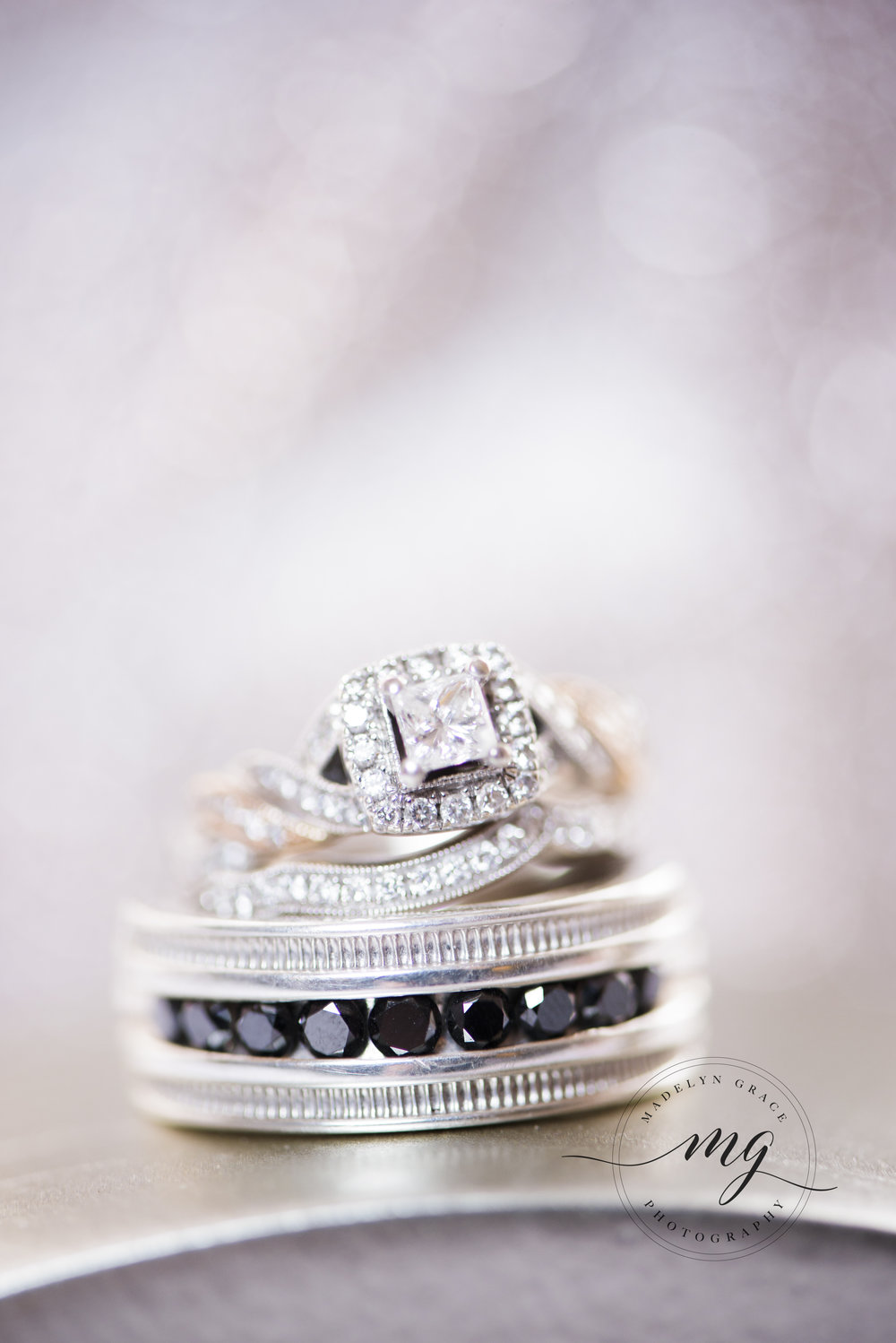 Michigan_wedding_photographer_details_the_ring_shot.jpg