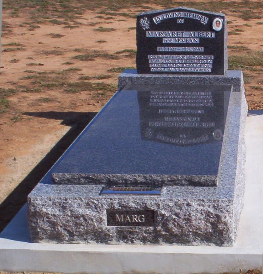 Single Memorial SM1-3.jpg