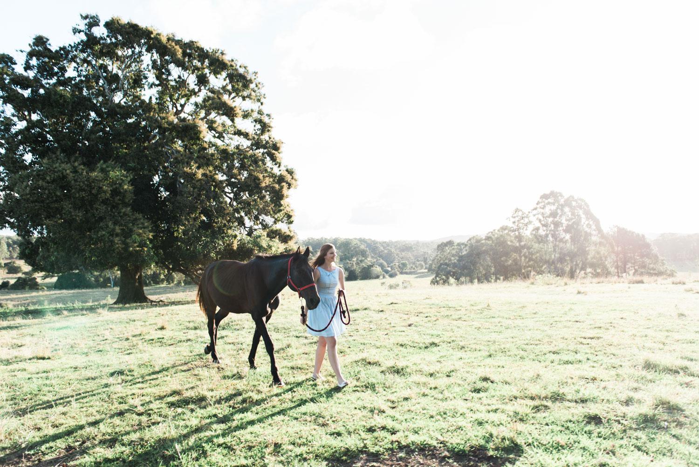 WEB-hannahmccawley-bennettfamilycountrysideportrait-59