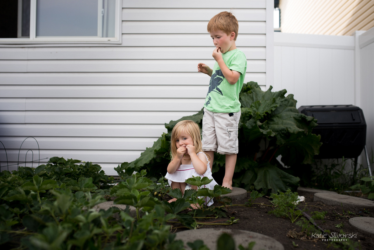 Kids with berries