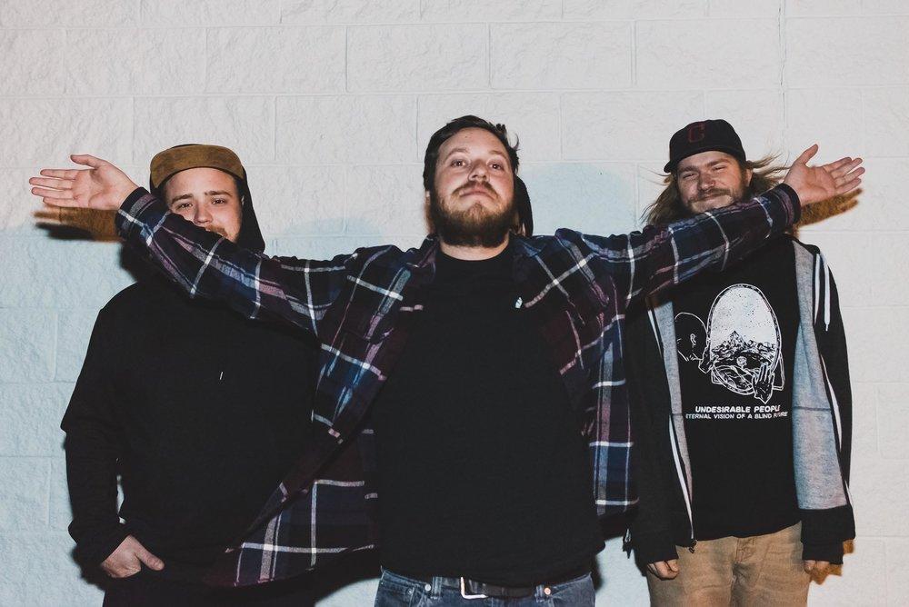 Elliott Blair, Alex Tucker, and Vince Defilippo of Dead Leaves / 11/13/15 / Shakers Pub / Oakdale, N.Y.