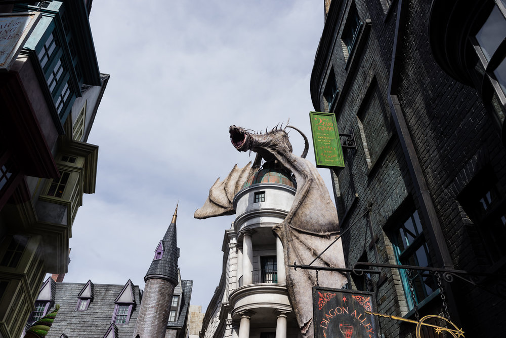 The Gringotts dragon during the day... / 3/5/16 / Universal Studios / Orlando, FL