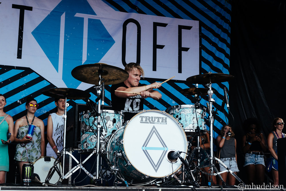 Set It Off / 7/19/16 / Vans Warped Tour / Noblesville, IN
