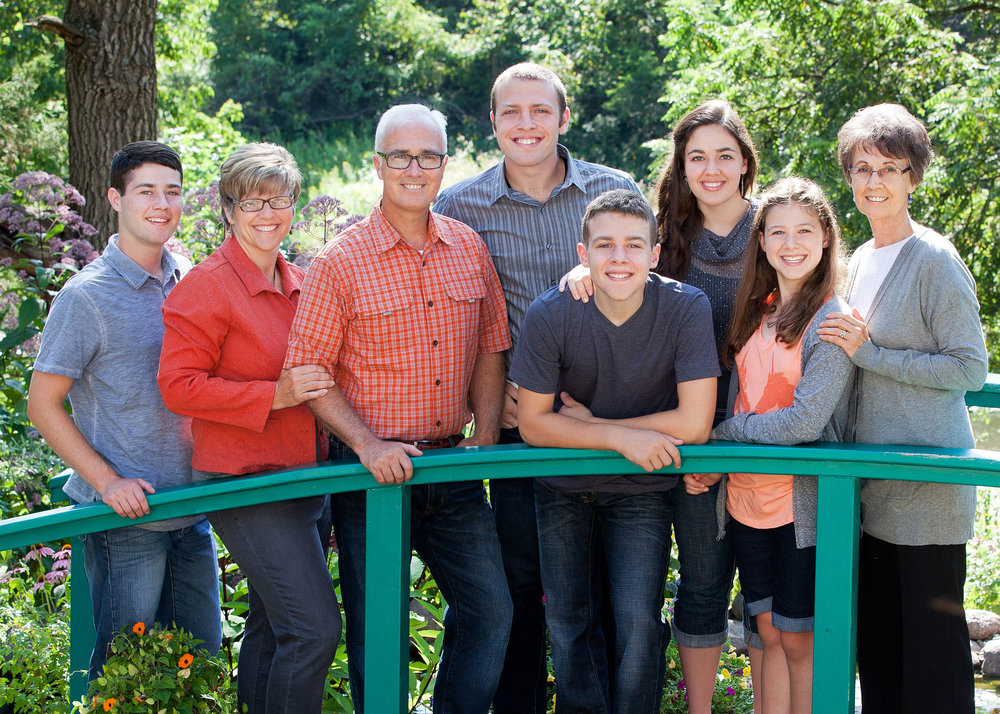 (From left to right)  Marcus, Karen, Tim, Scott, Isaac, Mackenzie, Abby and Ginny Graham