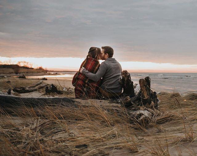 Take it in 🌅🧡 . . . . . . . . #londonontariophotography #engagementsession #weddingphotography #beachengagement #sunsetbeach #beachcuddles #truelove #lakehuron #portfranks
