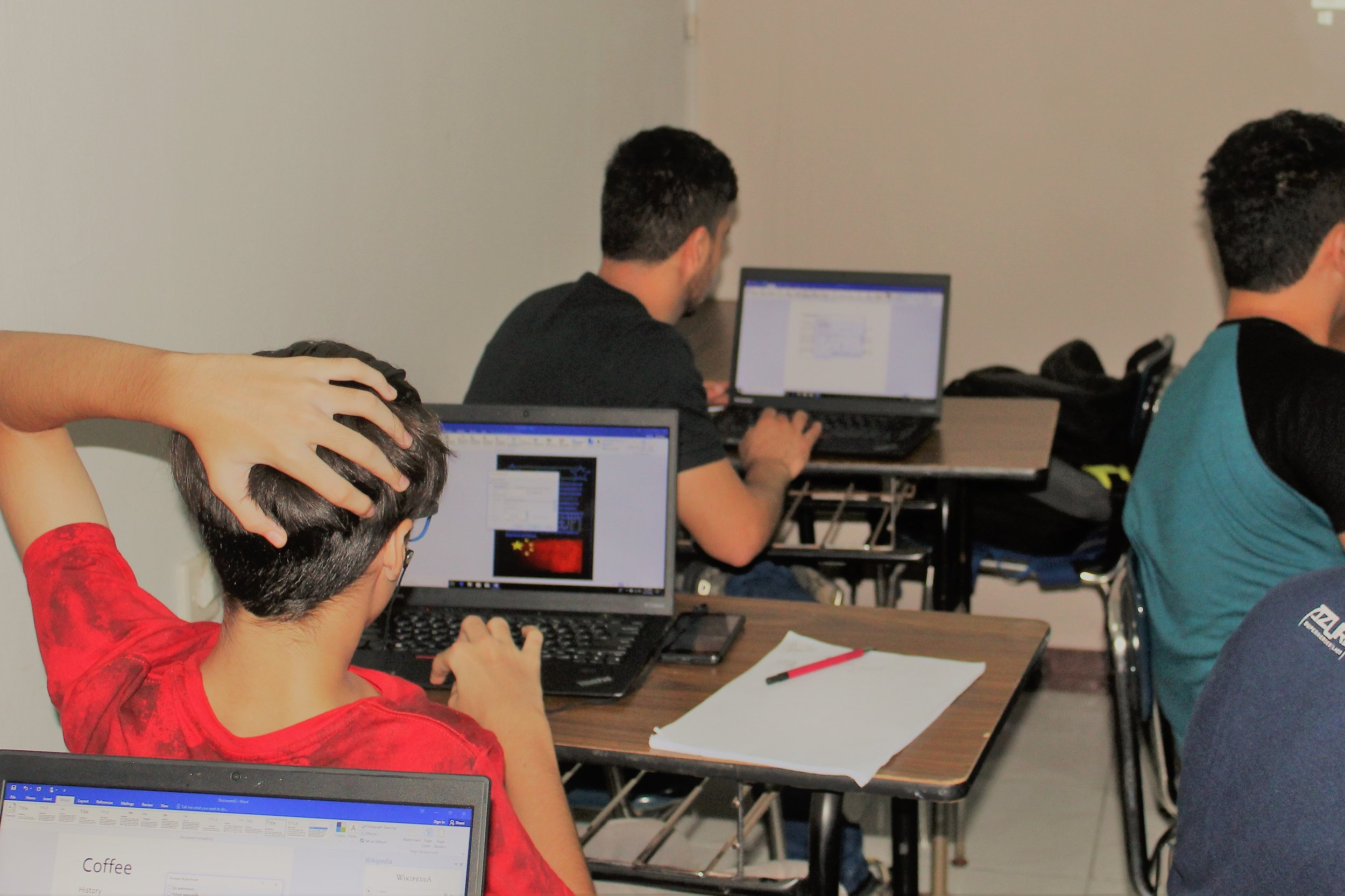 Blog Roshan Learning Center History Of Computergeneration Computer Try To Educate Refugees Turn Higher Education