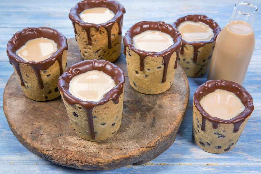 Choc chip cookie cups with Baileys