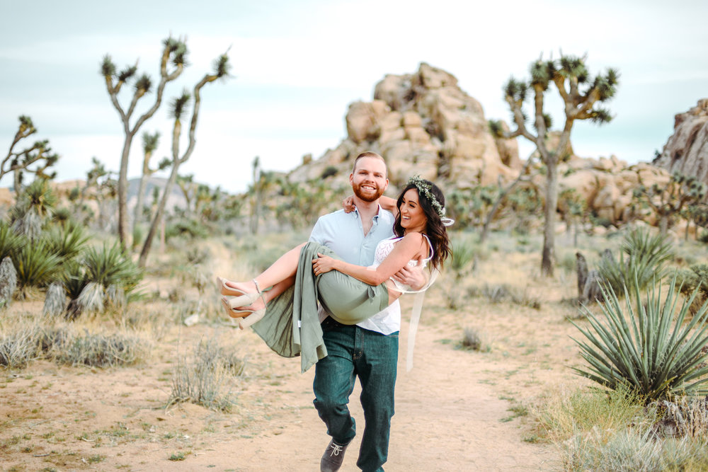 bohemian couple joshua tree engagement-4.jpg