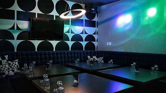 We all know everyone loves to sing. But have you sang in our gorgeous karaoke rooms? ✨🎤🎵🎶. Start 2k18 the right way with some of your favorite tunes! Don't forget to take advantage of our special karaoke room food menu!  ______  #karaoke #lounge #bar #ktown #koreatown #losangeles #cocktails #eaterla #eater #feedyoursoull #beautifulcuisines #foodgasm #foodstagram #forkyeah #buzzfeedfood #buzzfeast #zagat #infatuation #laeats #f52grams #eeeeeats #lovefood #feedfeed #eatfamous #foodilysm #huffposttaste #bonappetit #noleftovers #satisfeed #nomnom