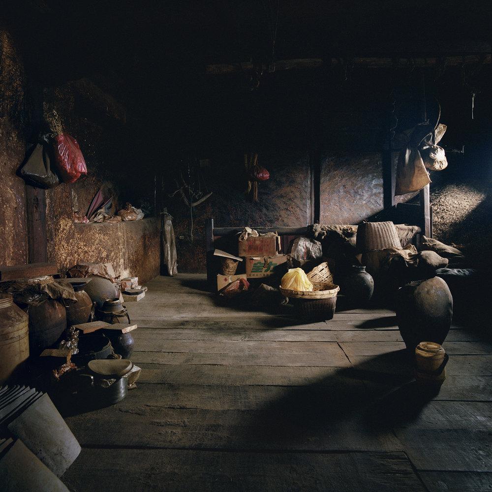 Yunnan, Heqin - dark loft.