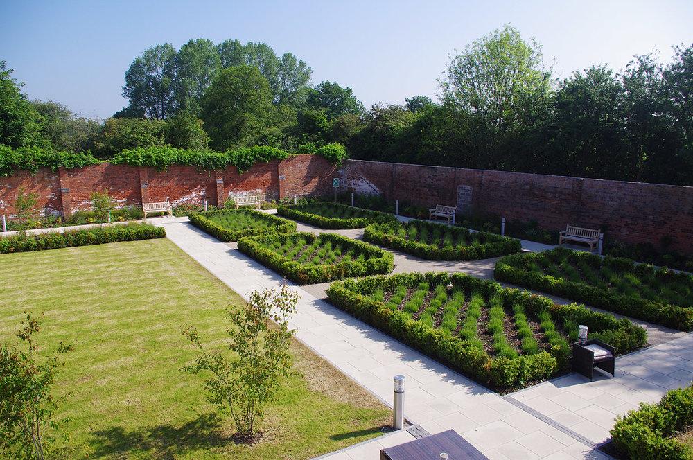 Fragrant parterre garden