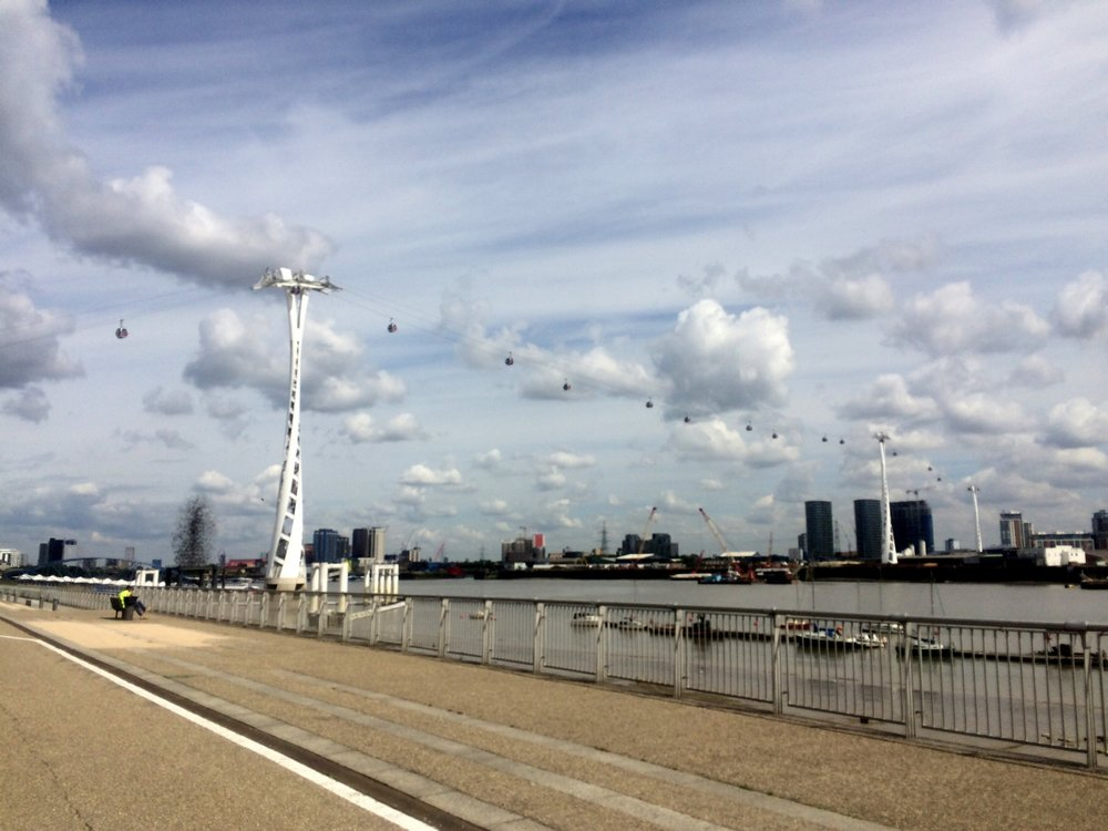 The Emirates Air Line takes 1000 passengers a week over the Thames