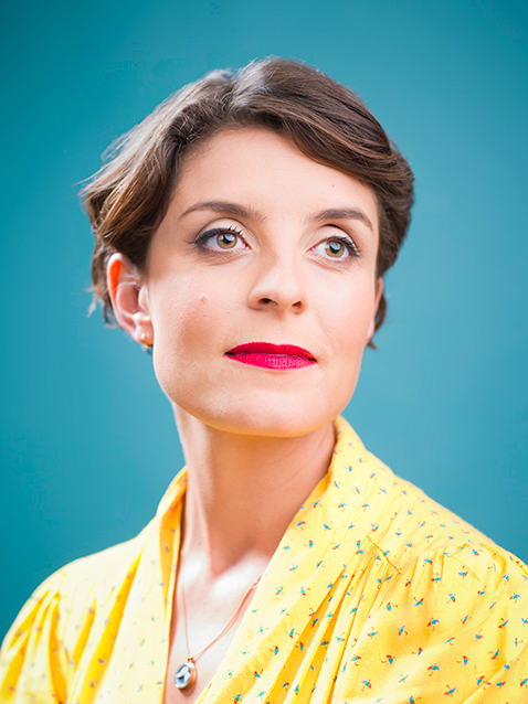 ES Mag - Jessie Burton Portrait V.png