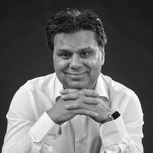 DR. SHAFI AHMED - CONSULTANT SURGEON BARTS HEALTH / VR SUREGEON