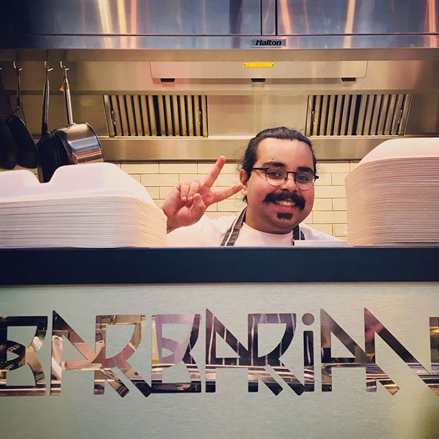 Last few days @oldspitalfieldsmarket we going to miss you. But we'll be back at a new destination in 2018! 🍸🥂🎄🥠🥟🥠🥢🍽🍸@sunil_bhangu loving your stew 🍸🍻🥂🍾🥢🍽🍴🥃🥟🥢👍🎄💋