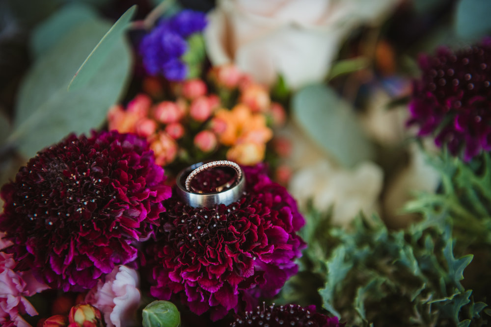 wedding-rings-inside-the-bride-bouquet.jpg