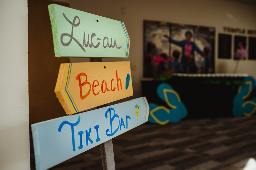 luau-signs-made-for-the-mitzvah-celebration.jpg