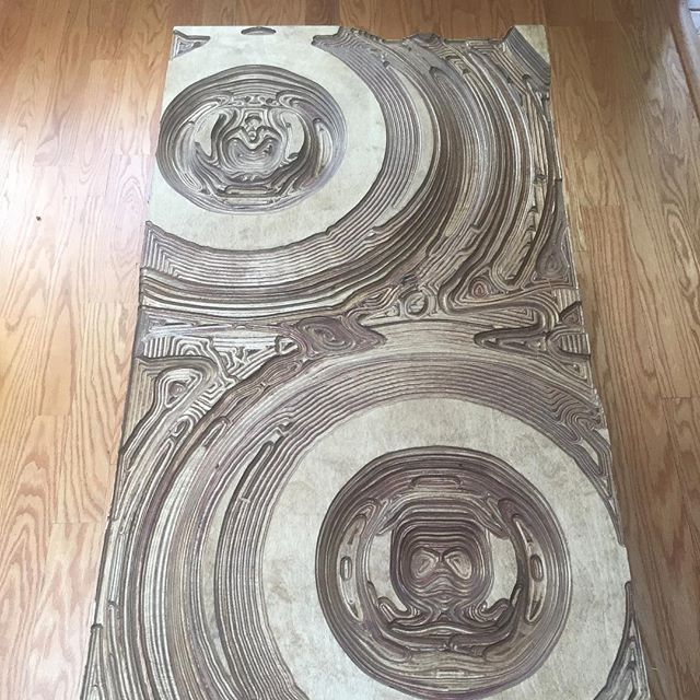 Look at the CNC plywood, how does it make you feel? What do you see? #woodpsychotherapy . . . . #plywood #trippy #curves #parametric #balticbirch #grasshopper3d #cnc #cncporn #cncmilling #walnutstain #woodworking