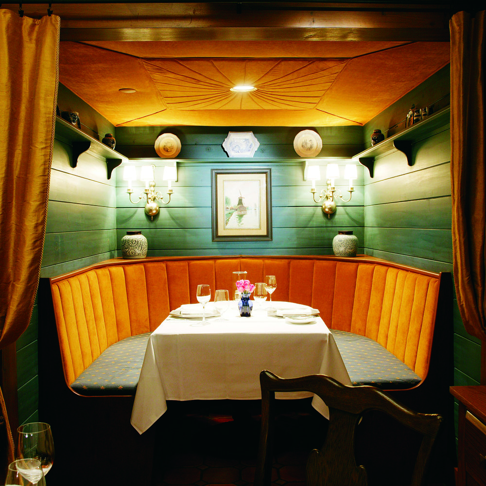 EXPLORE-Dining-VOKaaa08210.jpg