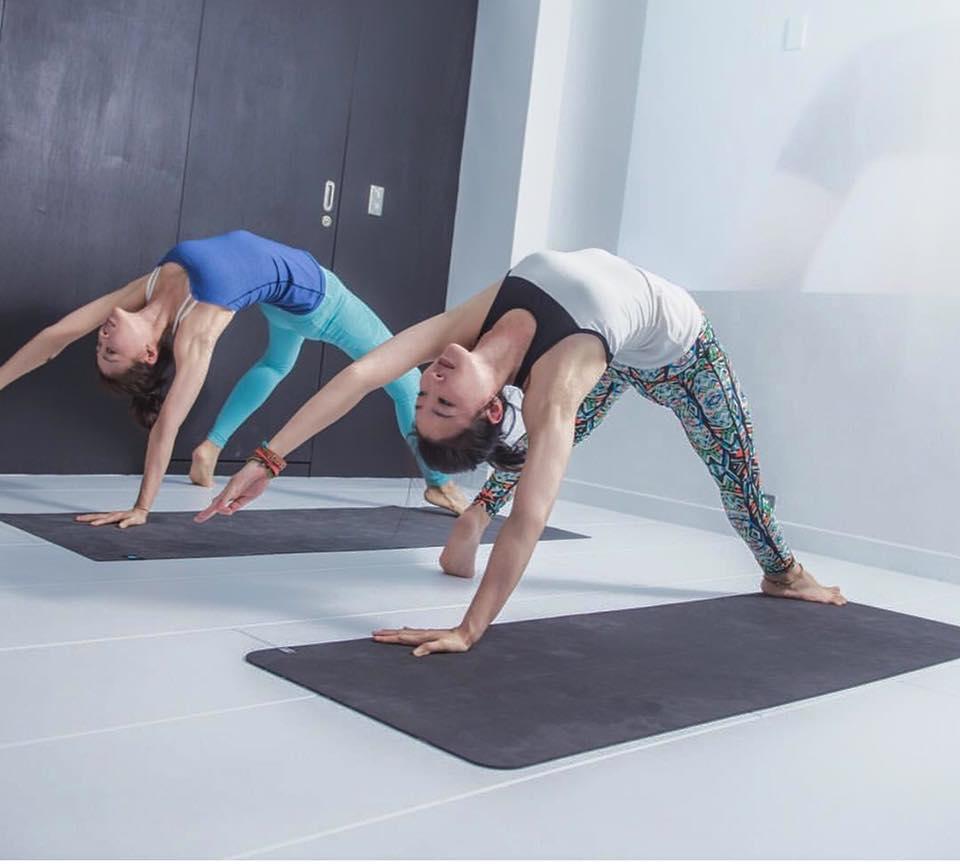 一品老师  –瑜伽品生活