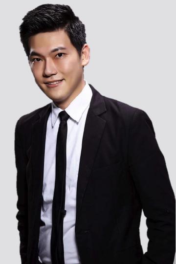 Ray 大仁  –实践大学时尚设计学系助理教授