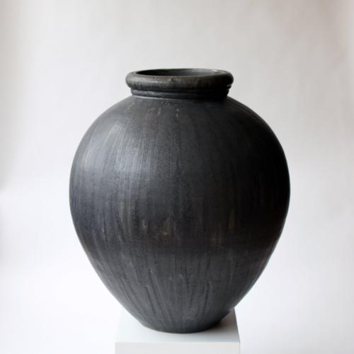 Stephen Procter : stoneware vessels