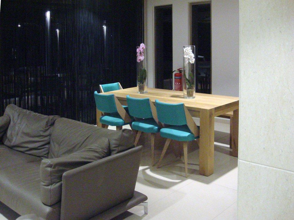 double-bay-simos-lounge+table3.jpg
