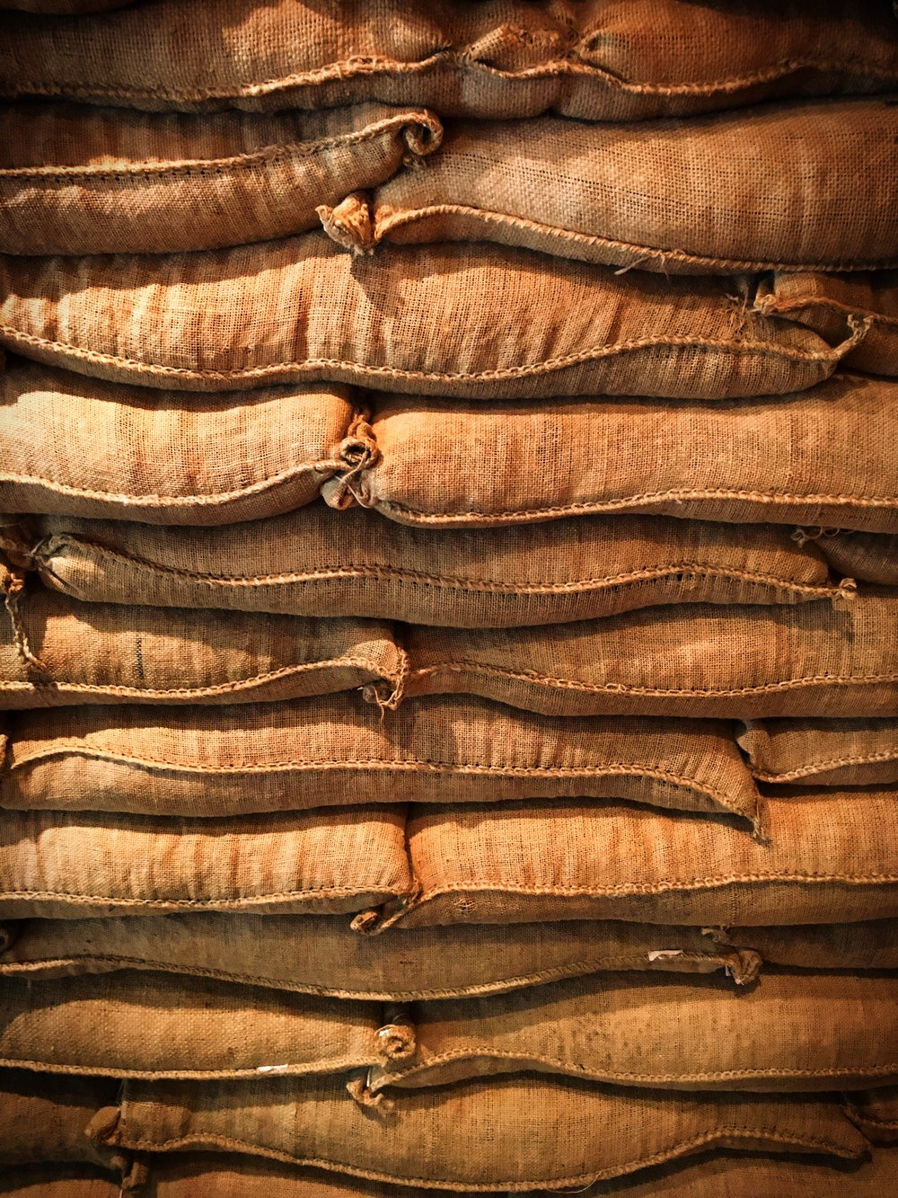 El Vaquero- Espresso Blend - Flavor Notes: Chocolate, Fruity, SyrupBrewing Methods: Great for espresso and could be used in a french press.El Vaquero is blend that we have all year long. We select different coffees that pair together well for a smooth and balanced espresso.