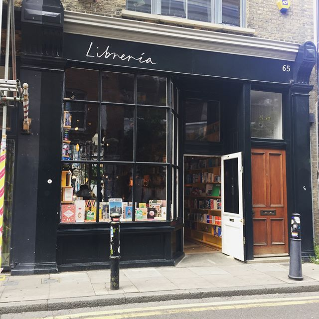 How could you not love a shop that looks like this?? @librerialondon