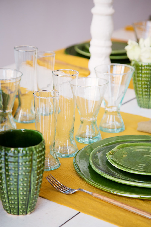 Vaisselle plate et irrégulière, inspiration ''Tamgrout''