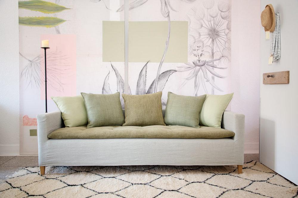 Canapé fixe avec surmatelas tapissier
