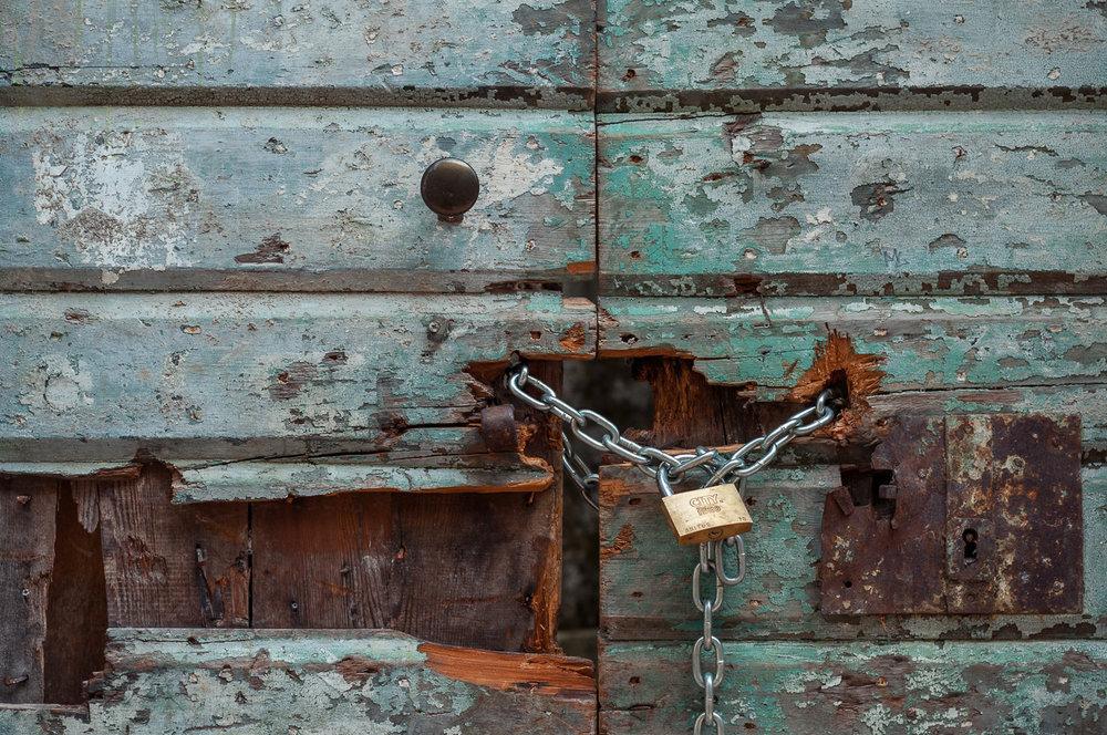 kotor-door-lock-chain-montenegro.jpg