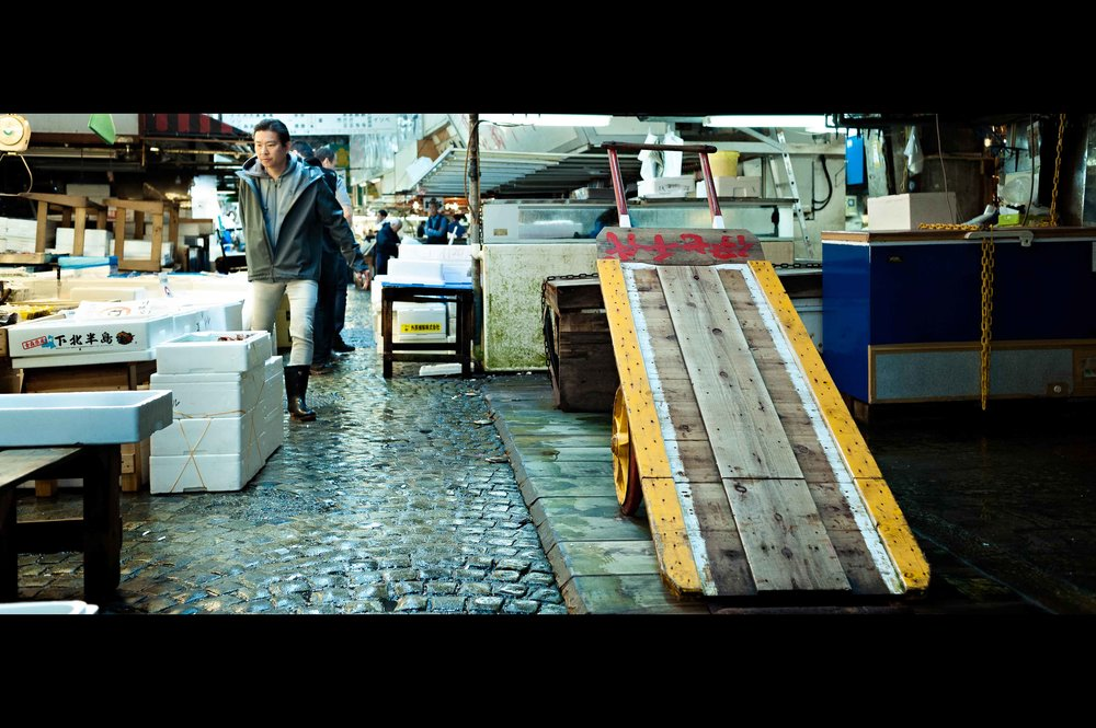 tsukiji-fish-market-wheel-cart.jpg