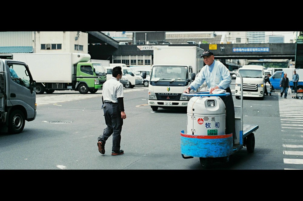tokyo-tsukiji-fish-market-cart-vehicles.jpg
