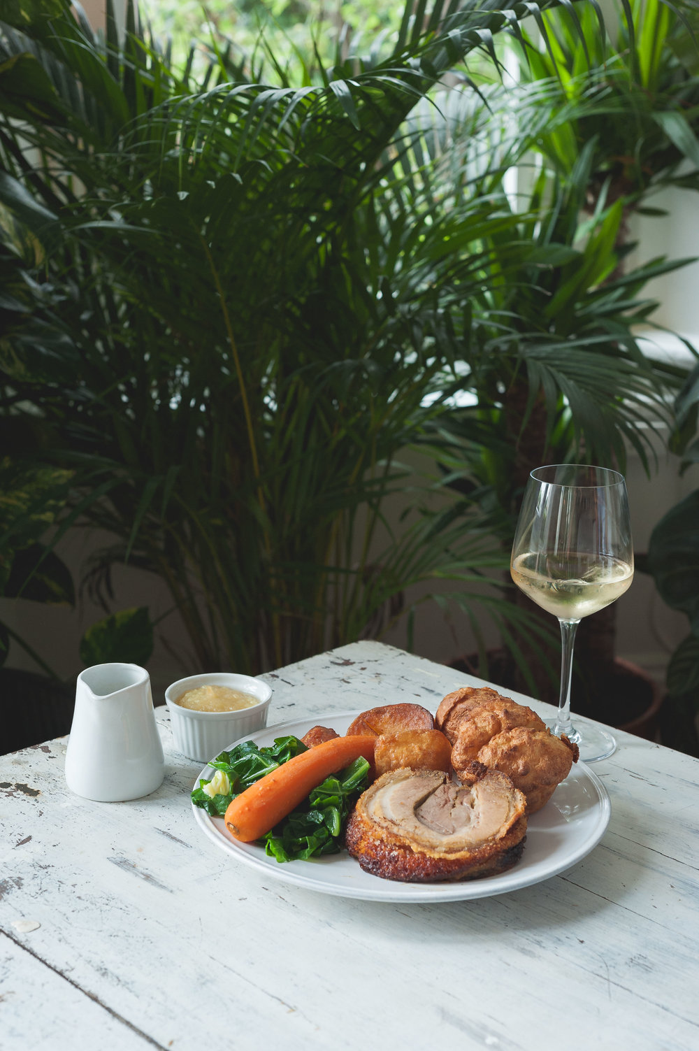 white-wine-botanical-sunday-lunch-the-green.jpg