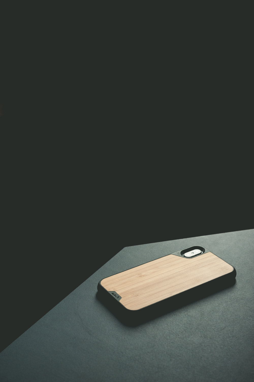 mous-bamboo-iphone-x-case.jpg
