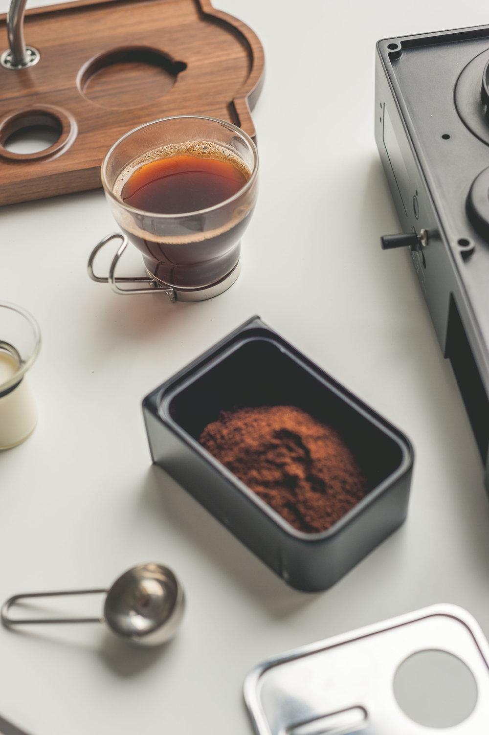 the-barisieur-fresh-coffee-alarm-clock.jpg