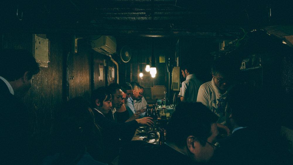 piss-alley-tokyo-small-yakatori-restaurant-bar.jpg