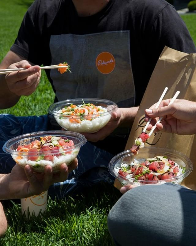 DID SOMEONE SAY SUMMER?! Girl… we've been waiting. Come shine on us! ☀️ • • • • #pokeworks #pokebowl #cleaneating #dailyfoodfeed #zagat #hawaiianfood #f52gram #healthybowl #poke #foodgasm #foodiefeature #salmon #EEEEEATS #buzzfeast #instafood #foodbeast #feedyoursoull #eatingnyc #foodporn #food #foodie #f52grams #infatuation #eater #feedfeed #burrito #buzzfeedfood #huffposttaste #summerishere #nationalselfieday